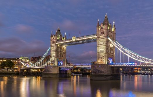 Top 5 Scholarships for International Students to study in the UK